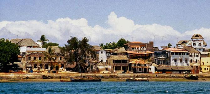 Kiến trúc của Lamu ảnh hưởng từ châu Âu, Ả rập và Ấn Độ, cổ điển và sang trọng.