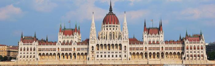 Cung điện hoành tráng được xây dựng tại đây.