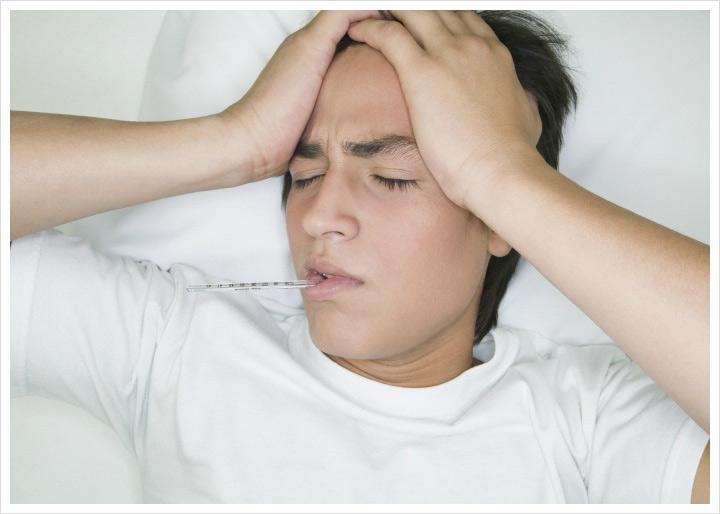 Sốt cao kèm đau đầu