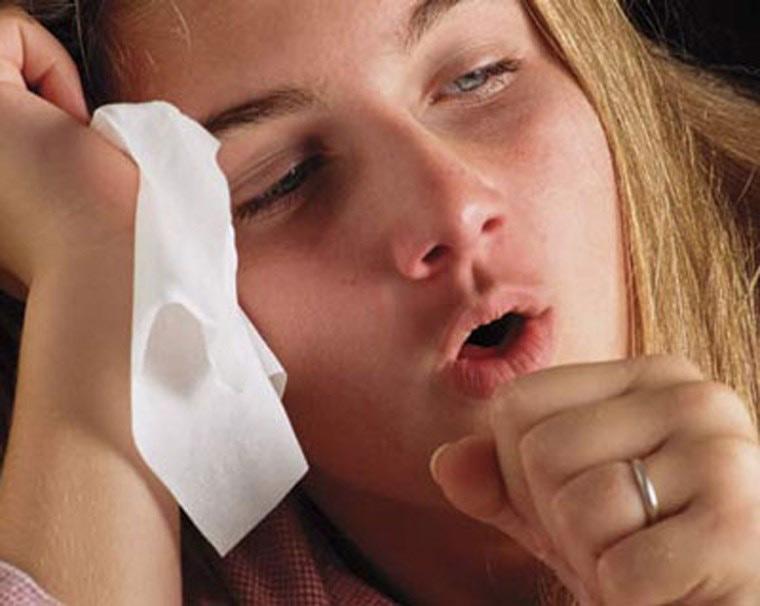 Khi bị sốt có thể kèm theo ho