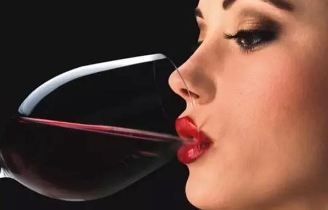 Uống rượu bị đỏ mặt rất có thể bạn có nguy cơ mắc ung thư