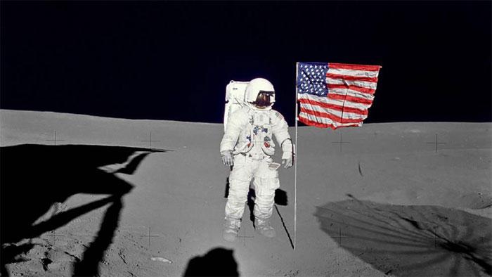 Phi hành gia Edgar Mitchell trong chuyến lên Mặt trăng năm 1971