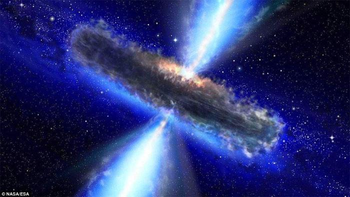 Trong một tích tắc rất nhanh, hàng tỷ tỷ tấn vật chất được phân phối lại, và một lỗ đen mới được sản sinh.