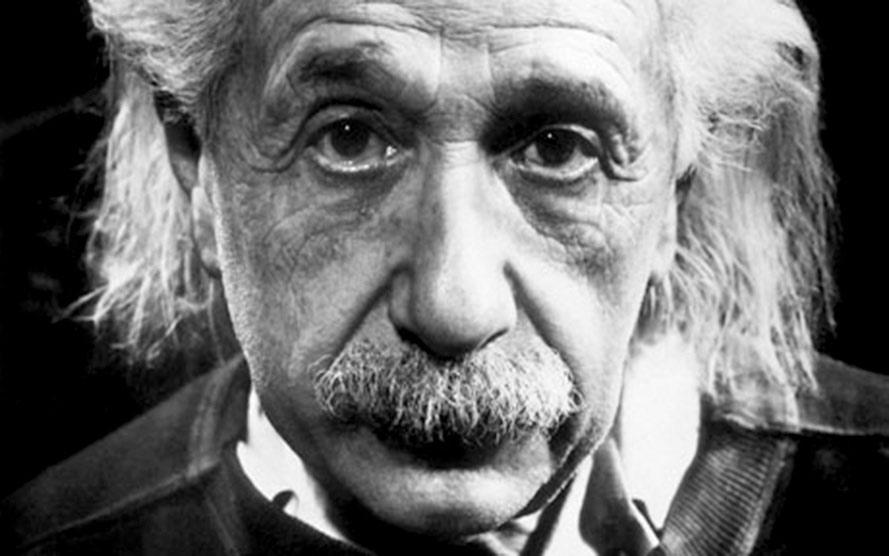 Thiên tài Albert Einstein