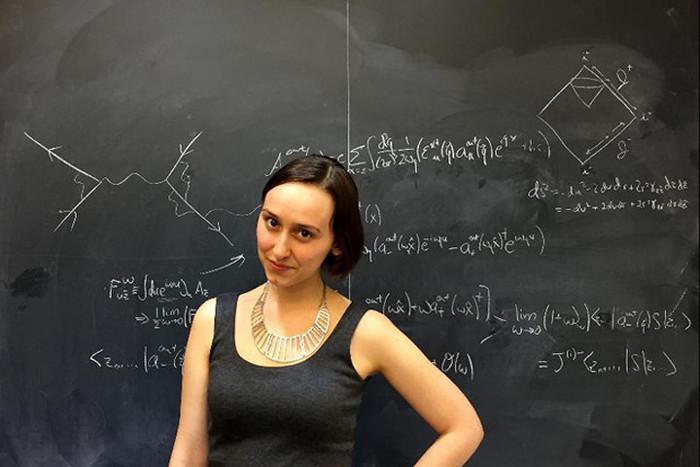 """Năm 2015, cô được Forbes xếp vào top """"30 nhà khoa học dưới 30 tuổi có sức ảnh hưởng""""."""