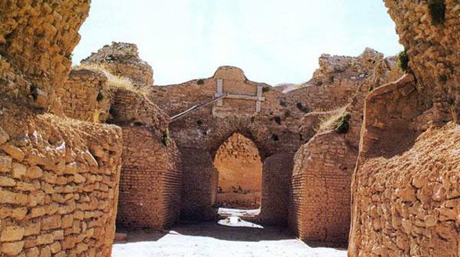 Địa điểm khảo cổ Takht-E Soleyman