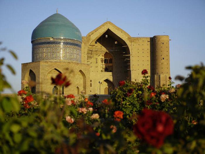 Lăng mộ cổ nổi tiếng nhất Trung Á này được coi là dấu ấn tiêu biểu nhất của vương quốc Timur, thế lực từng cai trị Trung Á thế kỷ 14 - 16.