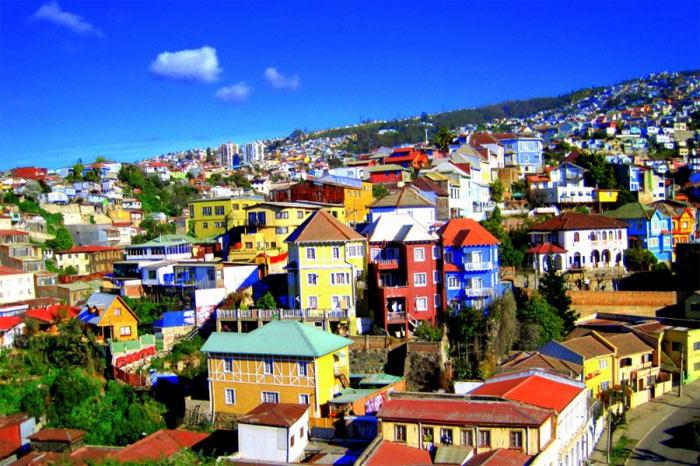 Trước khi kênh đào Panama mở cửa năm 1915, thành phố cổ Valparaiso của Chile là nơi có bến cảng quan trọng bậc nhất trên tuyến đường hàng hải Thái Bình Dương - Đại Tây Dương.