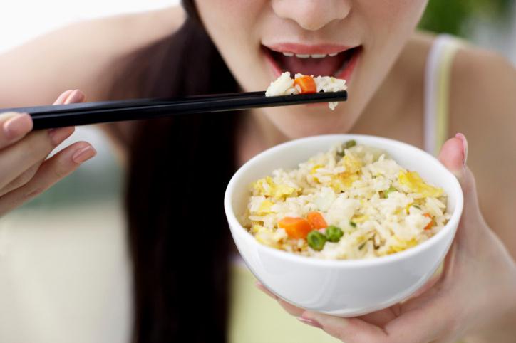 Ăn quá nhanh gây ảnh hưởng xấu tới sức khỏe