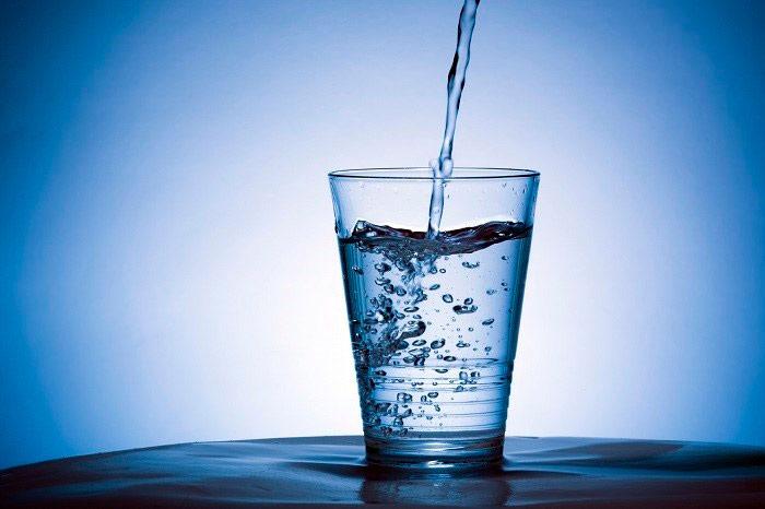 Người đau dạ dày nên uống nước vào lúc sáng sớm