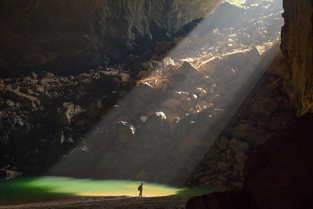 Trước đó, bộ phim Pan và vùng đất Neverland cũng đã đến hang Én thuộc Phong Nha - Kẻ Bàng để quay một số cảnh trong phim.