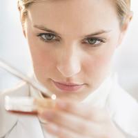Nuôi cấy thành công não người mini trong phòng thí nghiệm để thử thuốc