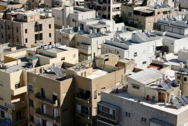 Tel Aviv nằm kéo dài dọc theo bờ biển đẹp của Địa Trung Hải