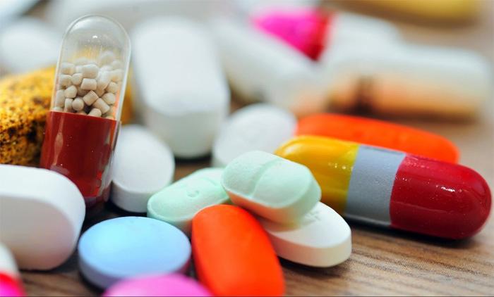 Đổ mồ hôi liên tục có thể do tác dụng phụ của việc dùng thuốc chống trầm cảm