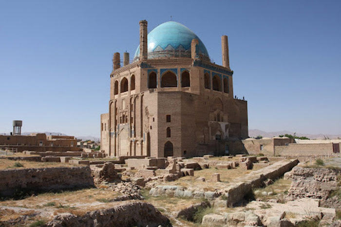 Công trình lăng mộ vua Ilkhan Oljettu