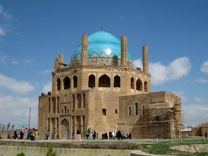 Không chỉ là một công trình kiến trúc đẹp mang giá trị thẩm mỹ cao và ý nghĩa lịch sử quan trọng. Mái vòm còn mở đường cho thiết kế mái vòm trong kiến trúc Hồi giáo.