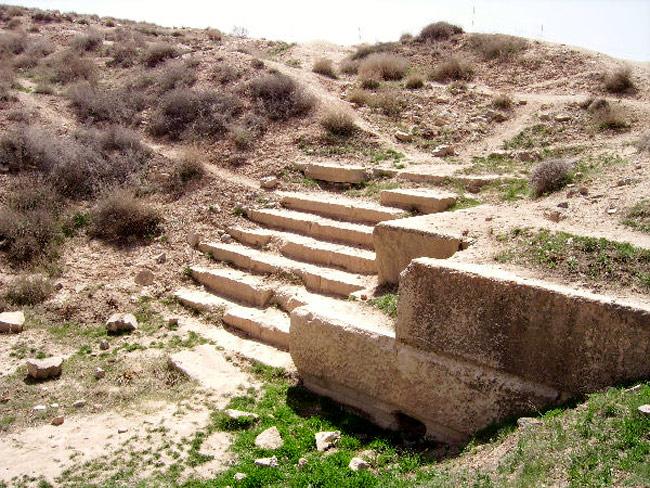 Di tích Pasargadae là minh chứng nổi bật cho phong cách kiến trúc vương triều Achaemenid