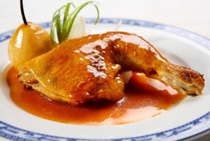 Lượng protin trong đùi gà nhiều hơn phần lườn.
