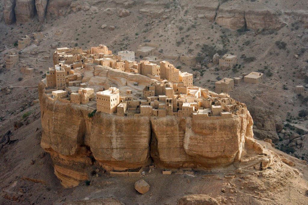 Thị trấn nhỏ Wadi Dawan tại Yemen nằm giữa sa mạc và được xây lên từ bùn đất.