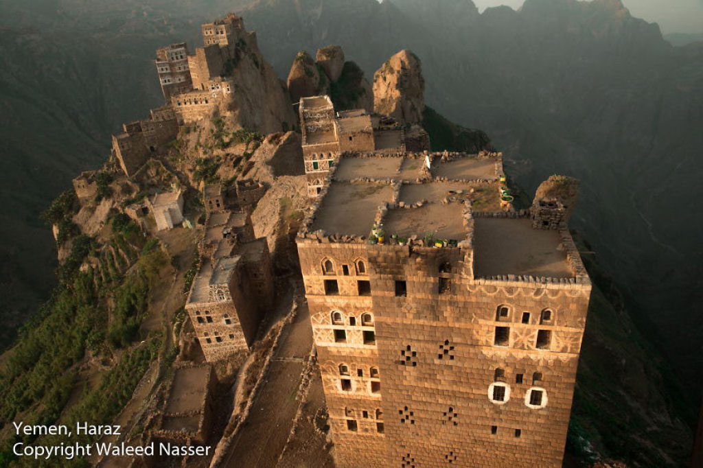 Quang cảnh từ trên trực thăng nhìn xuống Haraz, Yemen.