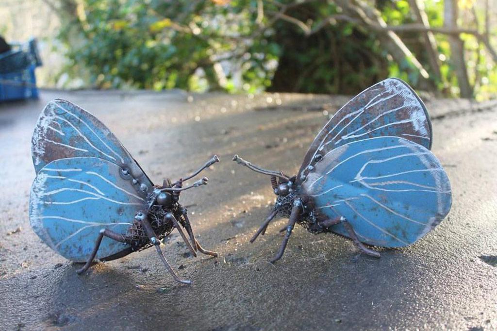 Hai con bướm xanh sống động như thật