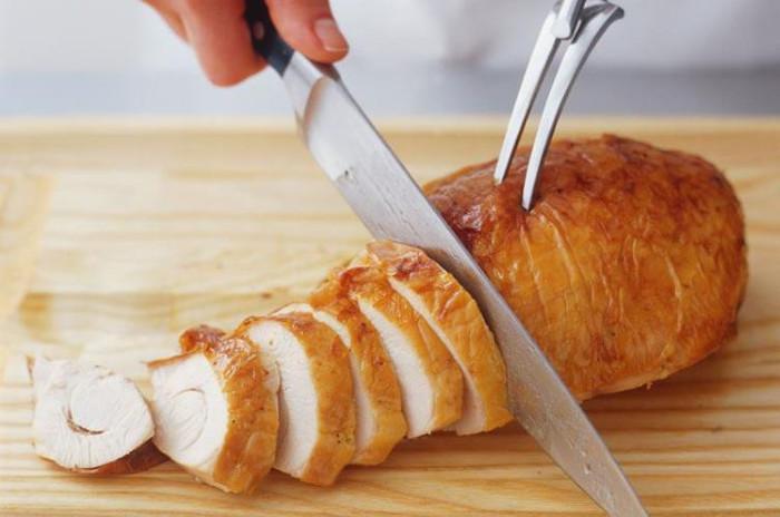 Người châu Âu thích ăn lườn gà hơn đùi gà.