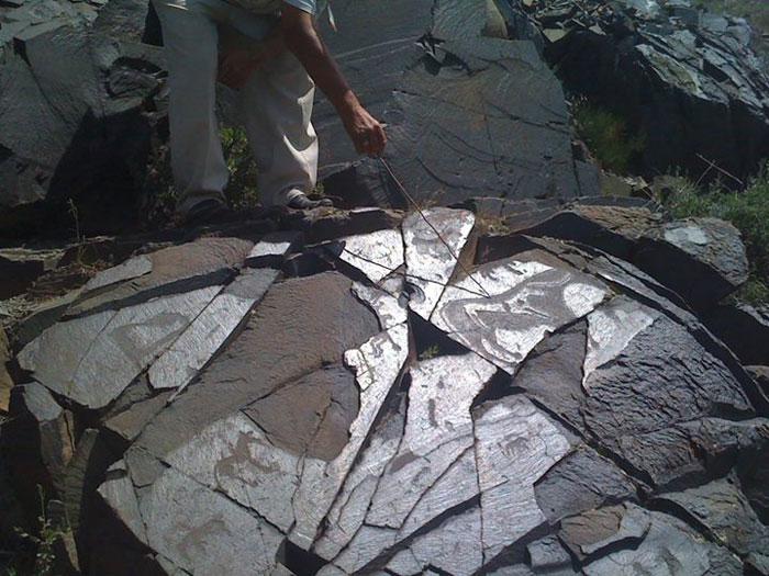 Unesco đã công nhận Tranh khắc đá tại khu vực khảo cổ Tamgaly của Kazakhstan là Di sản văn hóa thế giới năm 2004.