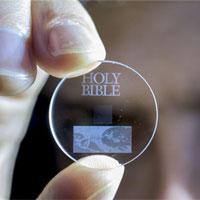 Bộ nhớ 360 TB siêu nhỏ chứa dữ liệu trong 13,8 tỷ năm