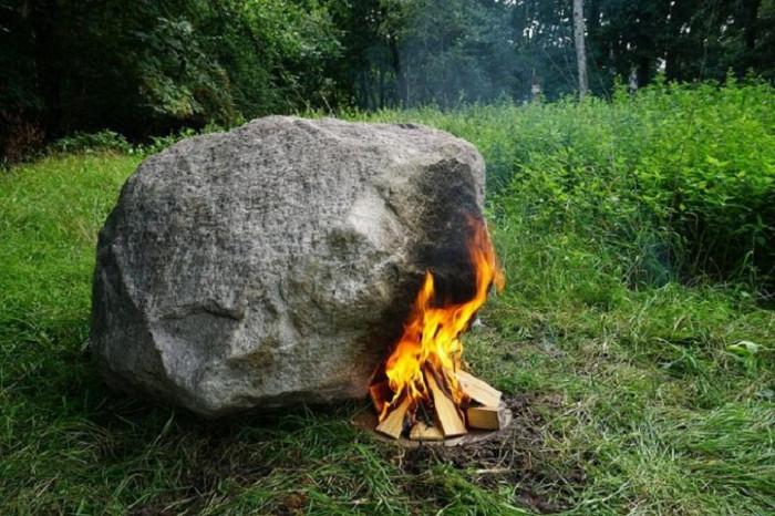 Tảng đá có trọng lượng lên tới 1,5 tấn.