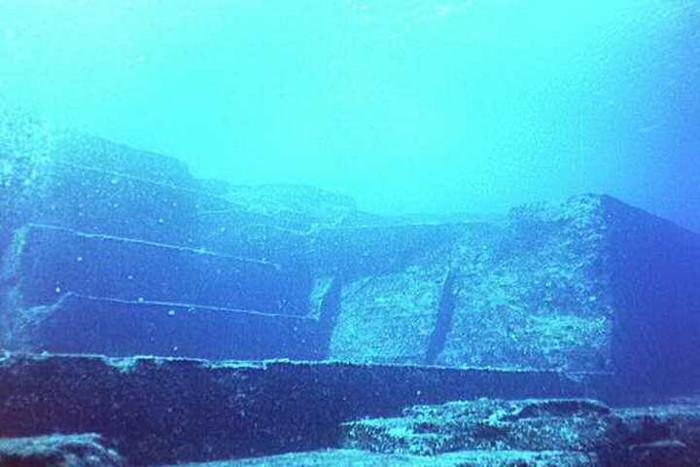 Giới khảo cổ cho rằng đây có thể là tàn tích của Atlantis.