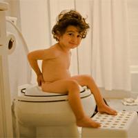 6 điều không nên làm khi đi vệ sinh