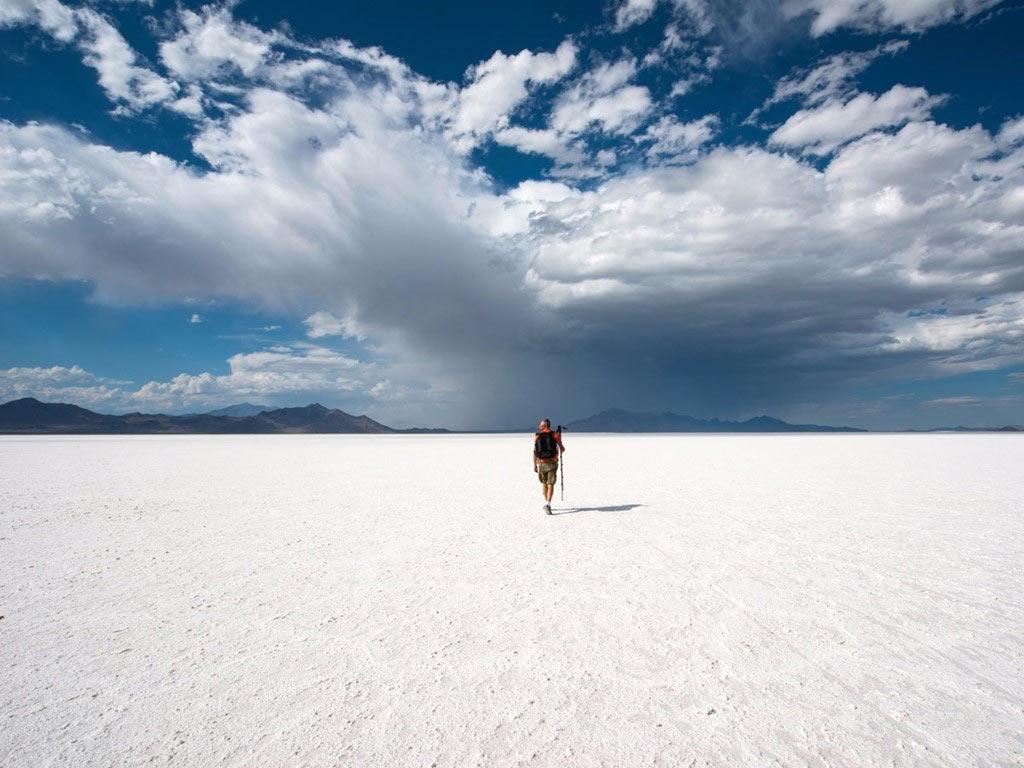 Đồng bằng muối Bonneville ở Utah trải rộng hơn 120 km2, hình thành từ các quặng muối còn lại sau khi hồ Bonneville khô nước.