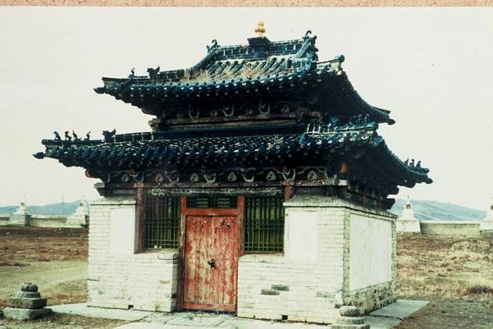 Cho đến nay vẫn còn nhiều tu viện nguyên vẹn và được bảo tồn tốt