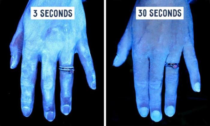Có thể thấy nếu rửa tay qua loa trong 3s như hình dưới thì thà không rửa cho xong...