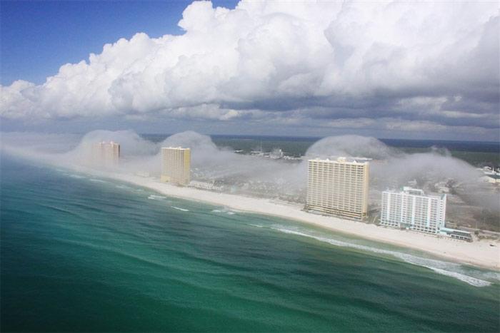 Thành phố Panama đầy mây