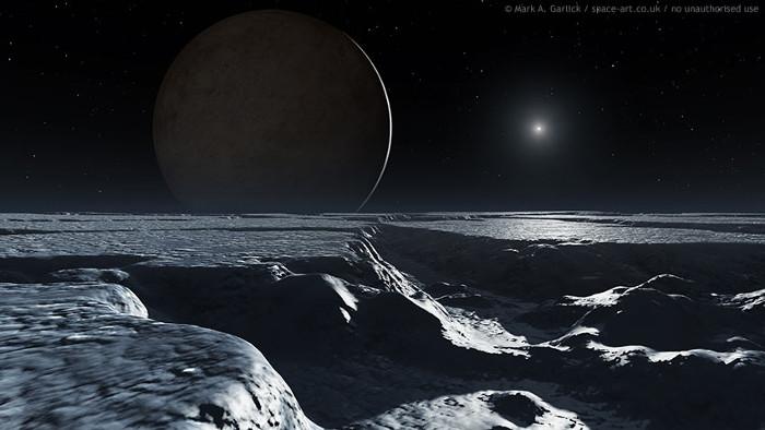 Bề mặt của mặt trăng Charon, phía xa là Diêm Vương tinh.