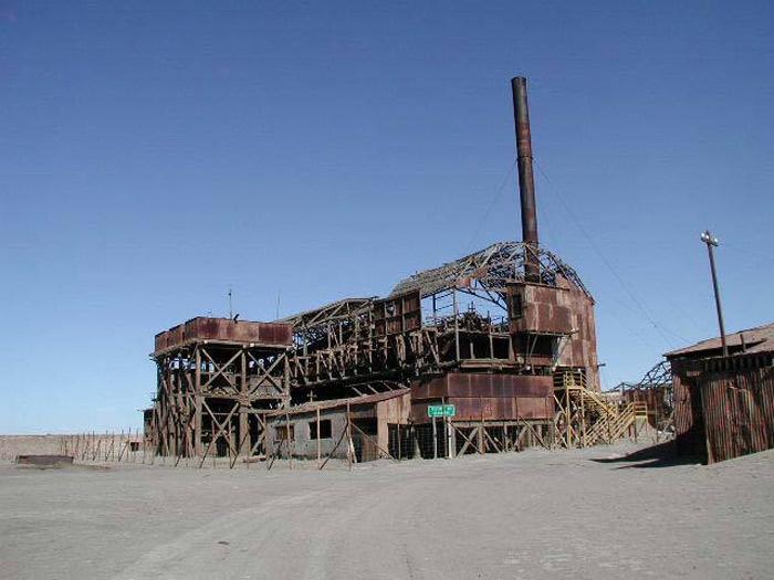 Các xưởng sản xuất diêm tiêu tại Humberstone và Santa Laura. Chile