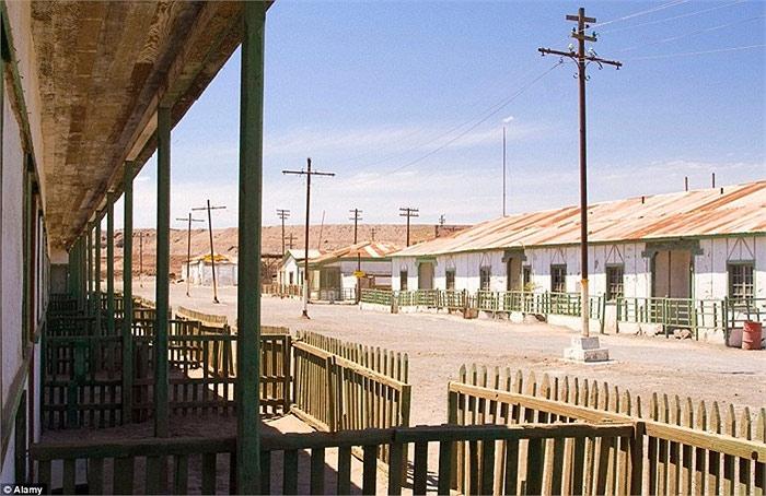 Các xưởng sản xuất diêm tiêu tại Humberstone và Santa Laura đã biến khu vực miền bắc Chile trở thành nhà cung cấp nguyên liệu nitrat natri tự nhiên lớn nhất thế giới