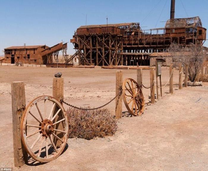 Từ một vùng đất hẻo lánh, khô cằn, Humberstone và Santa Laura đã nhanh chóng phát triển và trở thành thị trấn giàu có.