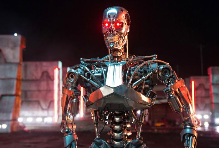 Kịch bản tồi tệ nhất là các robot trong tương lai sẽ trỗi dậy để hủy diệt loài người.