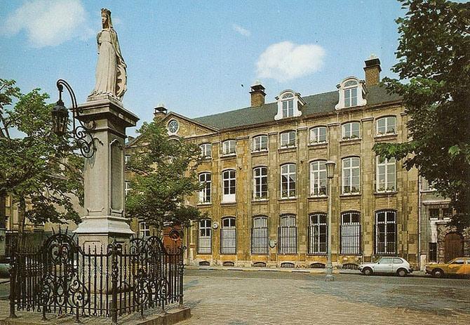 Bảo tàng Plantin – Moretus vốn là một nhà máy in và cũng là nhà xuất bản được hình thành từ thời kỳ Phục Hưng
