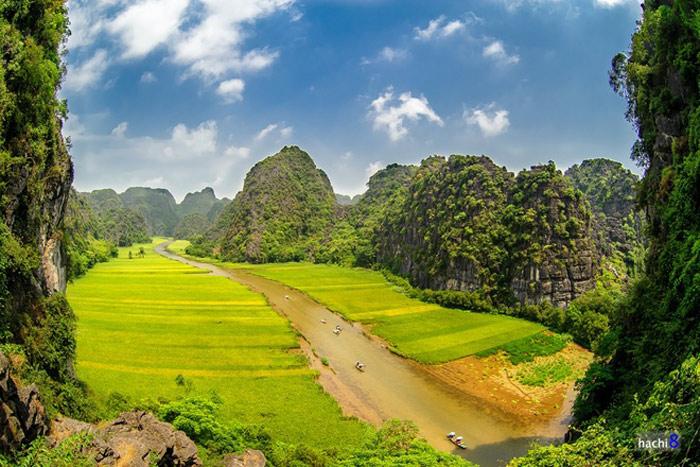 Thung lũng rộng 2 ha bên trong quần thể danh thắng Tràng An