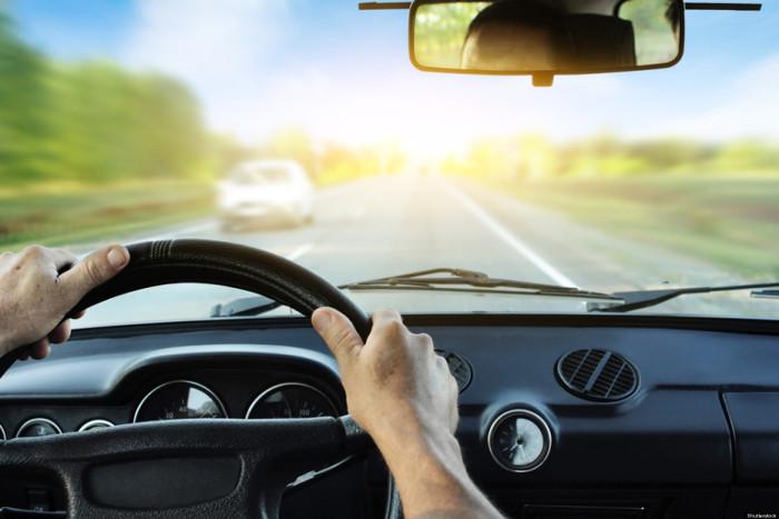 Cần sự tập trung và bình tĩnh trong khi lái và ngay cả khi đã dừng xe.