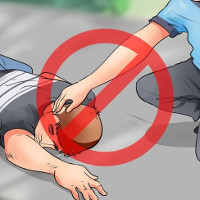 Vì sao không nên tự ý di chuyển người bị tai nạn?