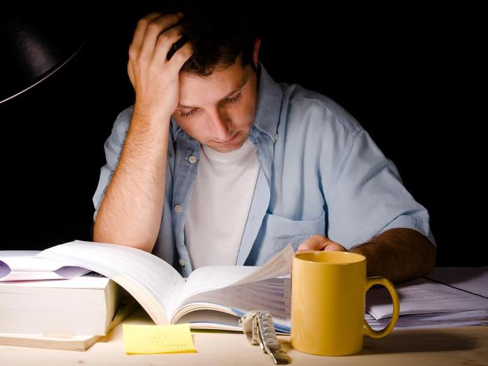 Có một cách giúp bạn hấp thụ bài vở đỡ tốn sức hơn đó là ngủ.