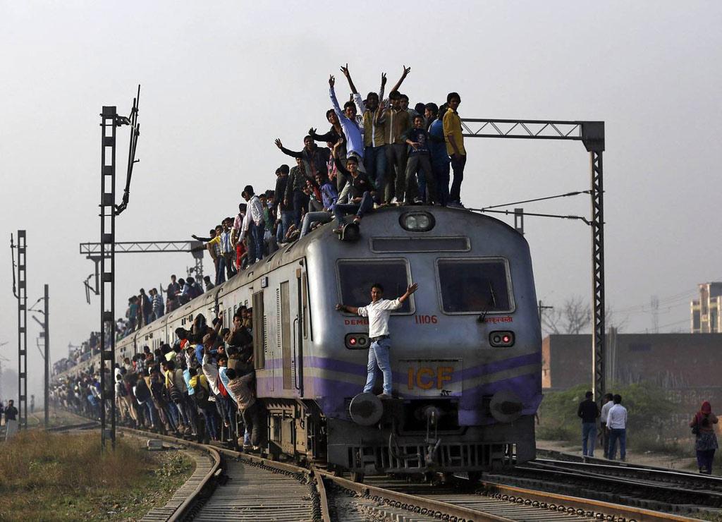 Tàu chậm nhất là Metupalayam Ooty Nilgiri, vận tốc chỉ gần 10 km/h. Ở vận tốc này, người ta có thể dễ dàng nhảy lên, nhảy xuống tàu khi đang chạy.