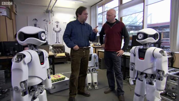 Nhiều công việc cần robot để giải phóng sức lao động và giảm rủi ro như đóng gói mặt hàng, giúp đỡ bệnh nhân...