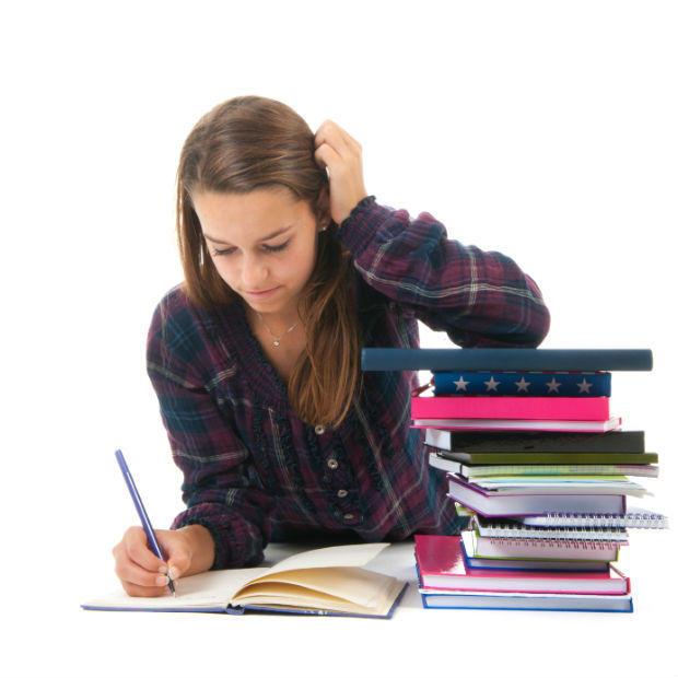 Sinh viên làm bài tập về nhà sẽ học tốt hơn