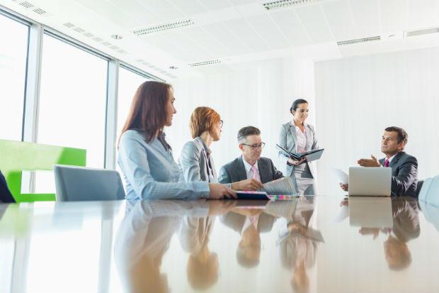 Các cuộc họp gây tốn thời gian