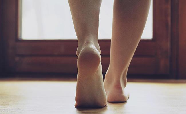 Lớp đệm bàn chân sẽ ngày càng mỏng dần.